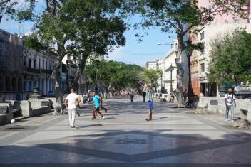 NossoMapaMundi_Paseo de Marti_futebol_Havana_Cuba